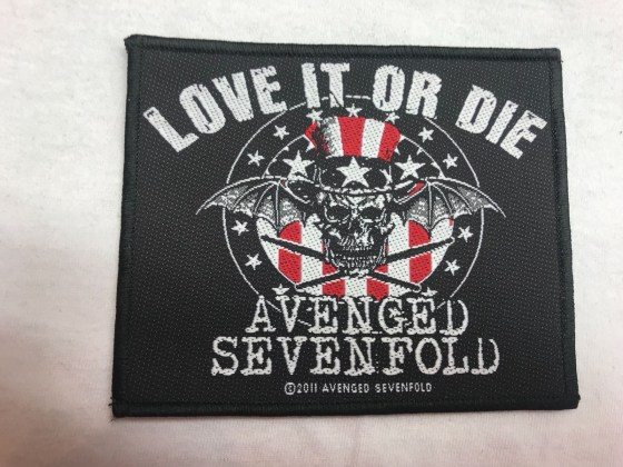 avenged-sevenfold-love-it-or-die